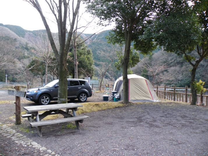 クタ の 里 オート キャンプ 場 久多の里オートキャンプ場 - キャンピングカーでワンワンキャンプ
